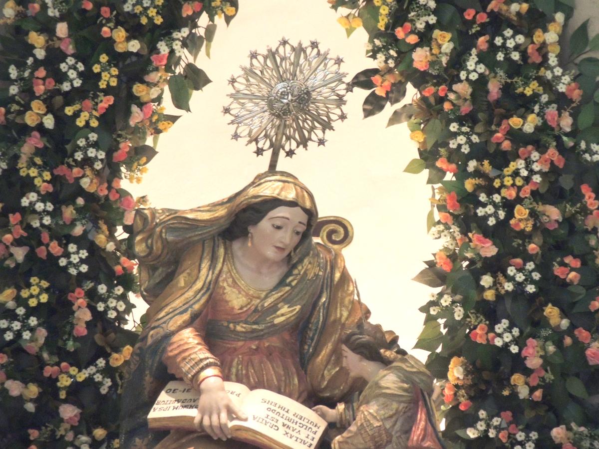 Imagem de Sant'Ana no altar da Catedral de Sant'Ana – Foto: Paulo Júnior